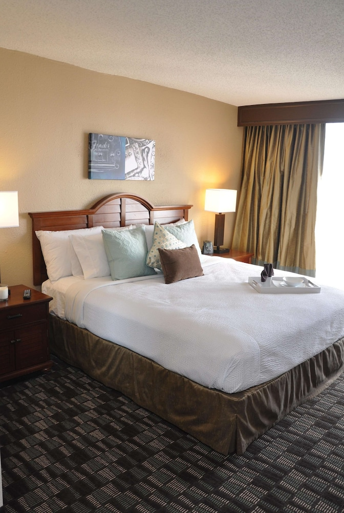 Room, Embassy Suites Hotel Nashville - Airport