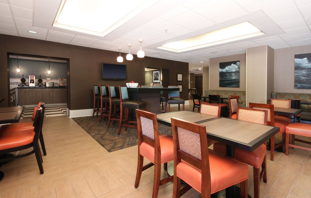 Breakfast Area, Hampton Inn Jacksonville Beach/Oceanfront