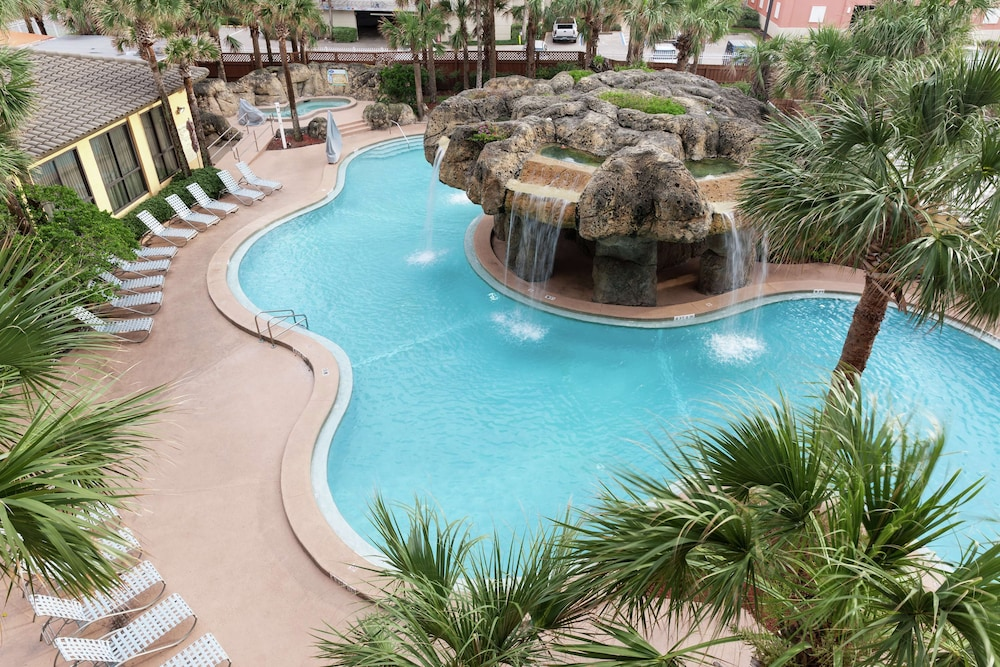 Pool, Hampton Inn Jacksonville Beach/Oceanfront