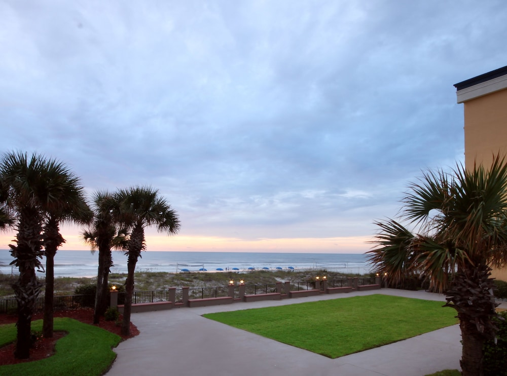 Outdoor Wedding Area, Hampton Inn Jacksonville Beach/Oceanfront