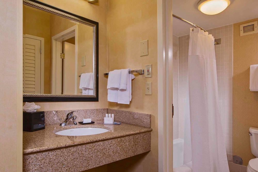 Bathroom, Courtyard by Marriott Raleigh Midtown