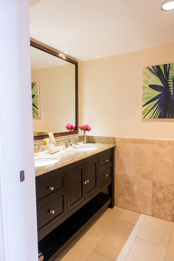 Bathroom, Ocean Terrace Inn