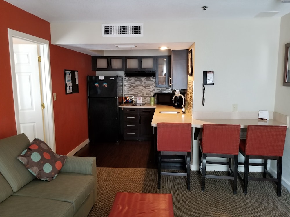 Private Kitchen, Staybridge Suites Orlando/Lake Buena Vista