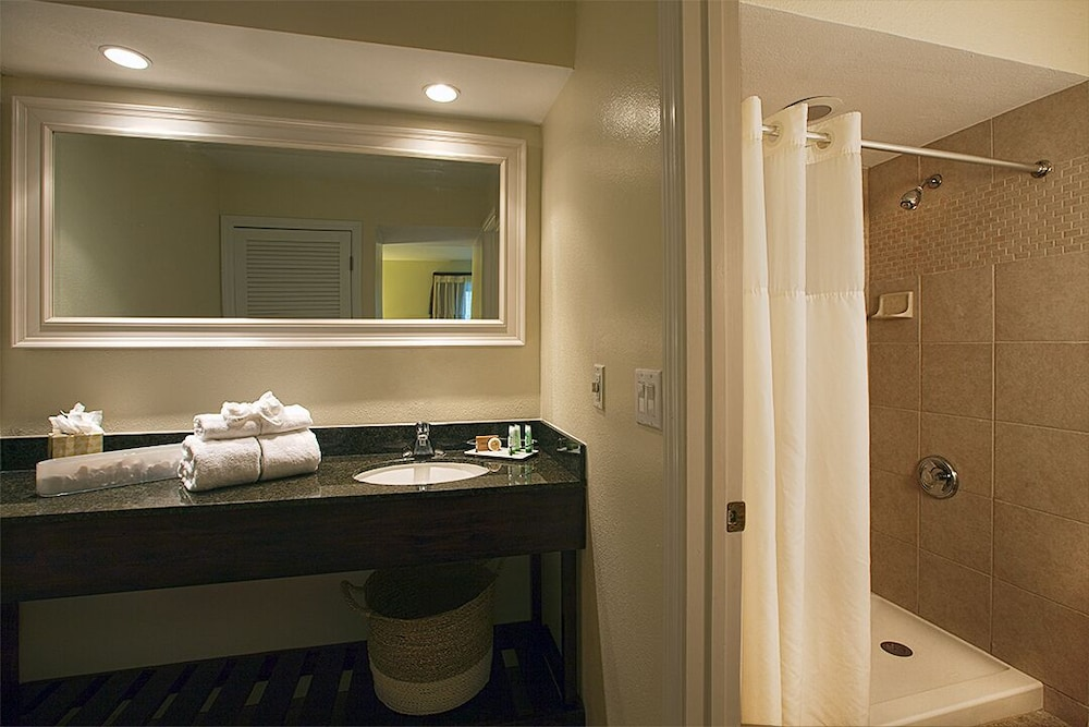 Bathroom, Chase Suite Hotel Tampa