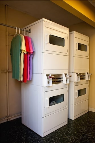 Laundry Room, Chase Suite Hotel Tampa