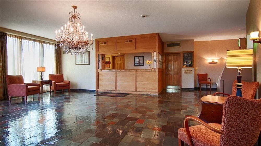 Lobby, Surestay Plus by Best Western Syracuse Airport Htl