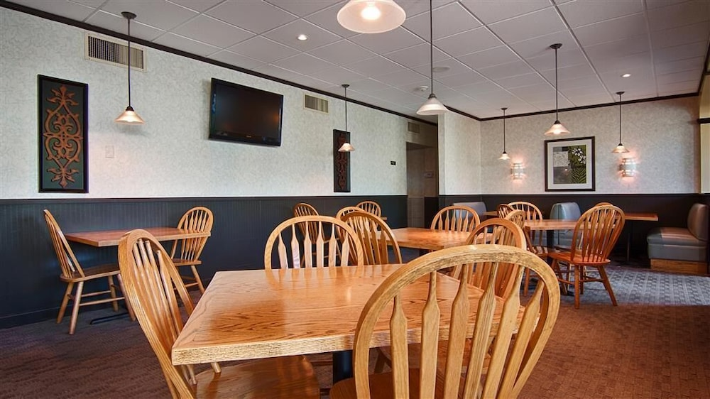 Restaurant, Surestay Plus by Best Western Syracuse Airport Htl