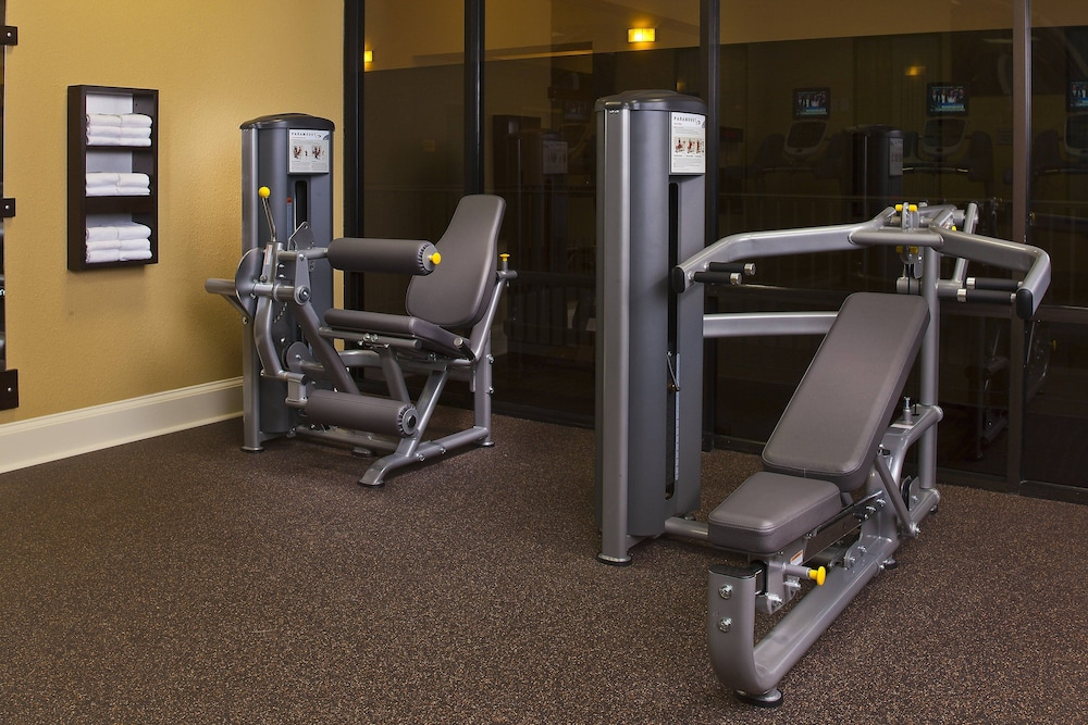 Fitness Facility, Courtyard by Marriott New Orleans Near the French Quarter