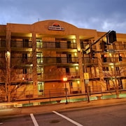 Downtown Inn and Suites