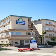 Days Inn & Suites by Wyndham Rancho Cordova