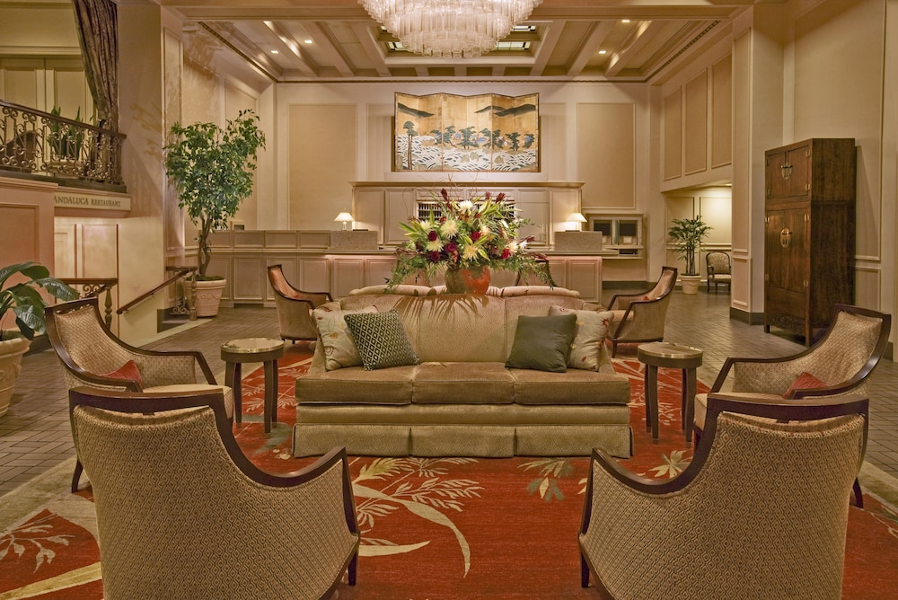Lobby Sitting Area, Mayflower Park Hotel