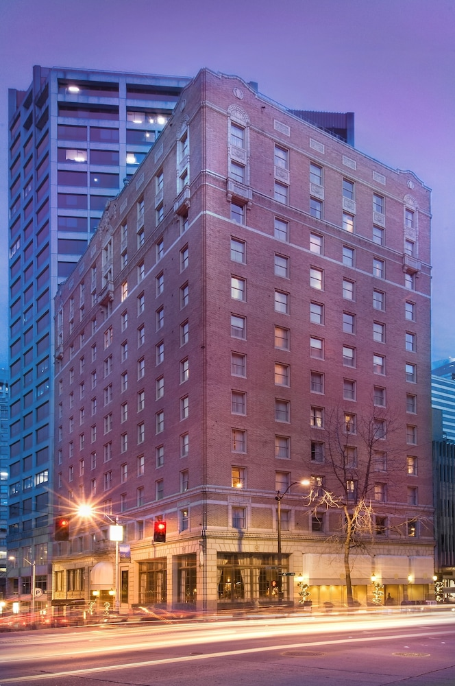 Front of Property - Evening/Night, Mayflower Park Hotel