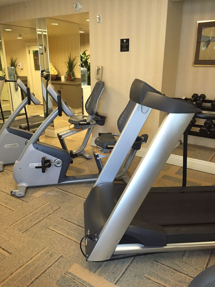 Gym, Mayflower Park Hotel