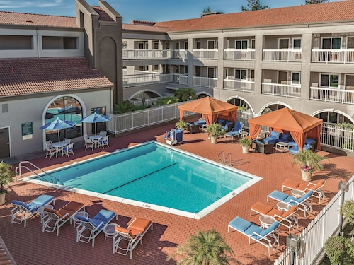 La Quinta Inn & Suites by Wyndham San Francisco Airport West