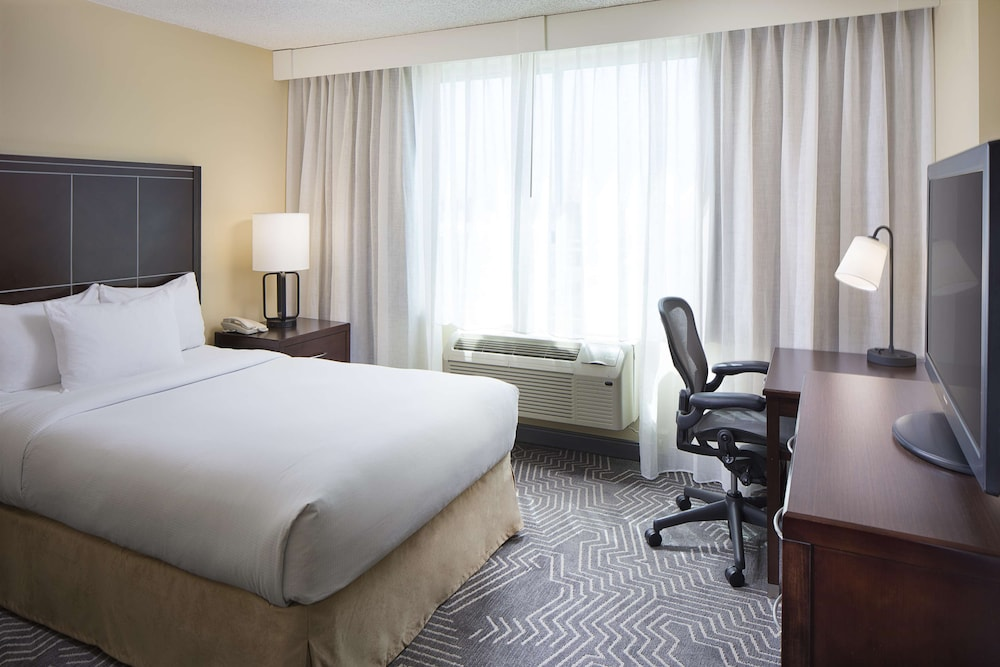 Room, DoubleTree by Hilton Los Angeles - Commerce