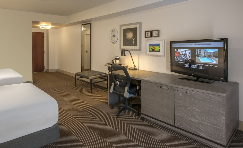 Room, DoubleTree by Hilton Austin