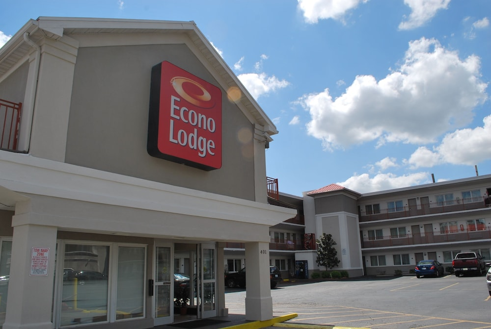 econo lodge downtown louisville in louisville hotel. Black Bedroom Furniture Sets. Home Design Ideas