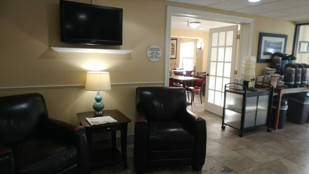Comfort Inn Airport: 2019 Room Prices $93, Deals & Reviews | Expedia