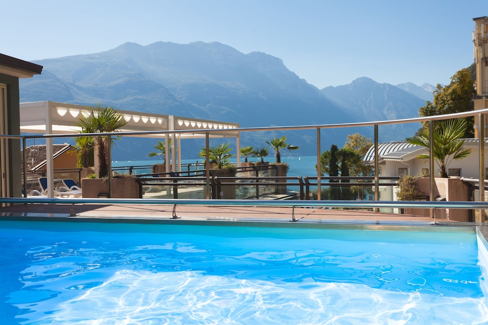 Hotel europa sky pool panorama riva del garda room prices reviews travelocity for Hotels in lake garda with swimming pool