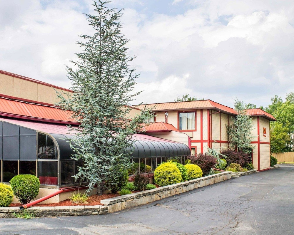 Exterior, Econo Lodge Scranton near Montage Mountain