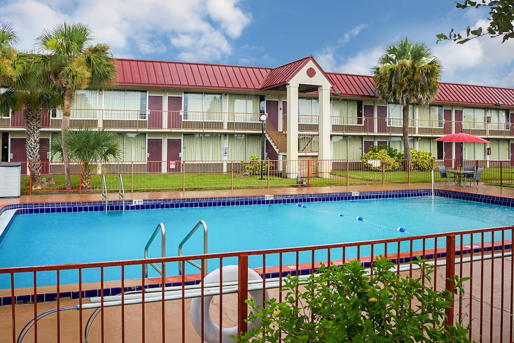 Quality Inn In Dundee Hotel Rates Reviews On Orbitz