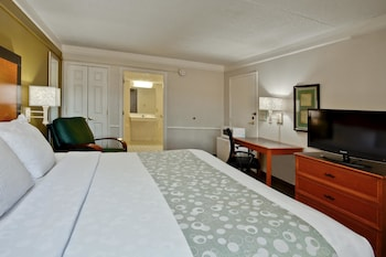 Standard Room, 1 King Bed - Guestroom