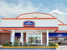 Howard Johnson by Wyndham Burlington