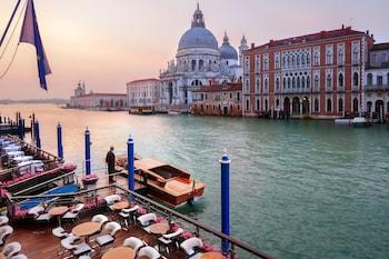 Campo S.Maria Del Giglio 2467, Venice, 30124, Italy.