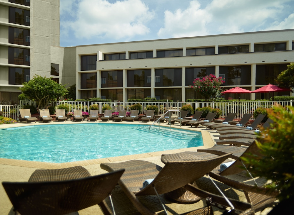 Outdoor Pool, Atlanta Marriott Northwest at Galleria