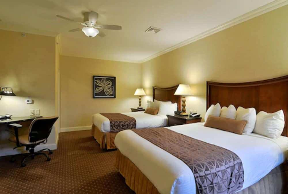 Room, Eden Resort and Suites, BW Premier Collection
