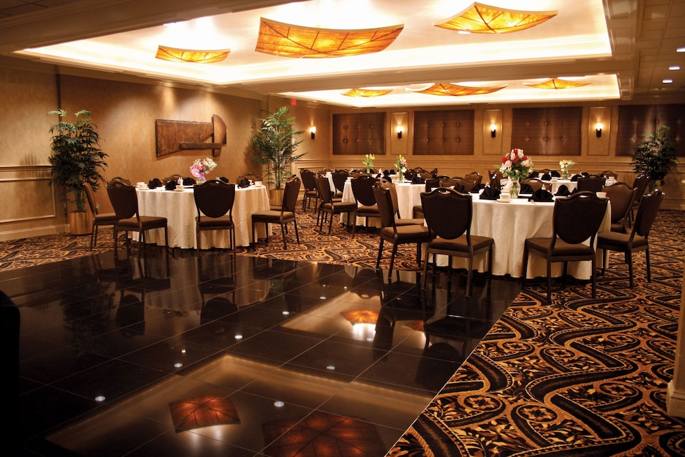 Meeting Facility, Eden Resort and Suites, BW Premier Collection
