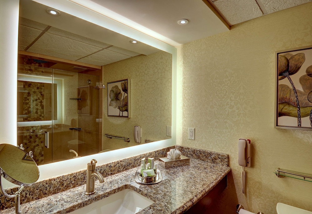 Bathroom, Eden Resort and Suites, BW Premier Collection