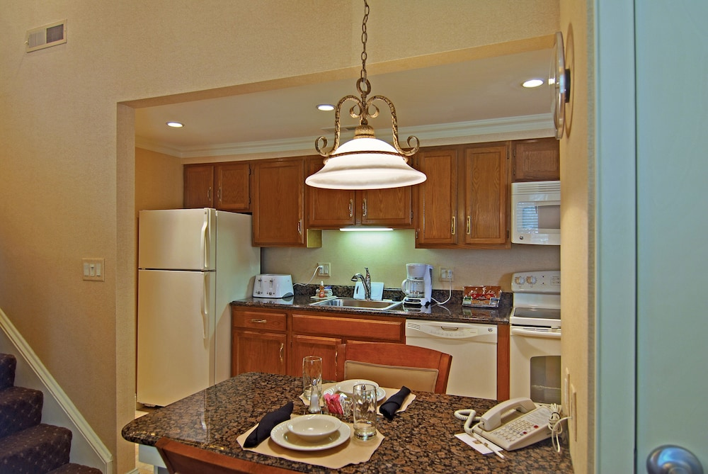 Private Kitchen, Eden Resort and Suites, BW Premier Collection