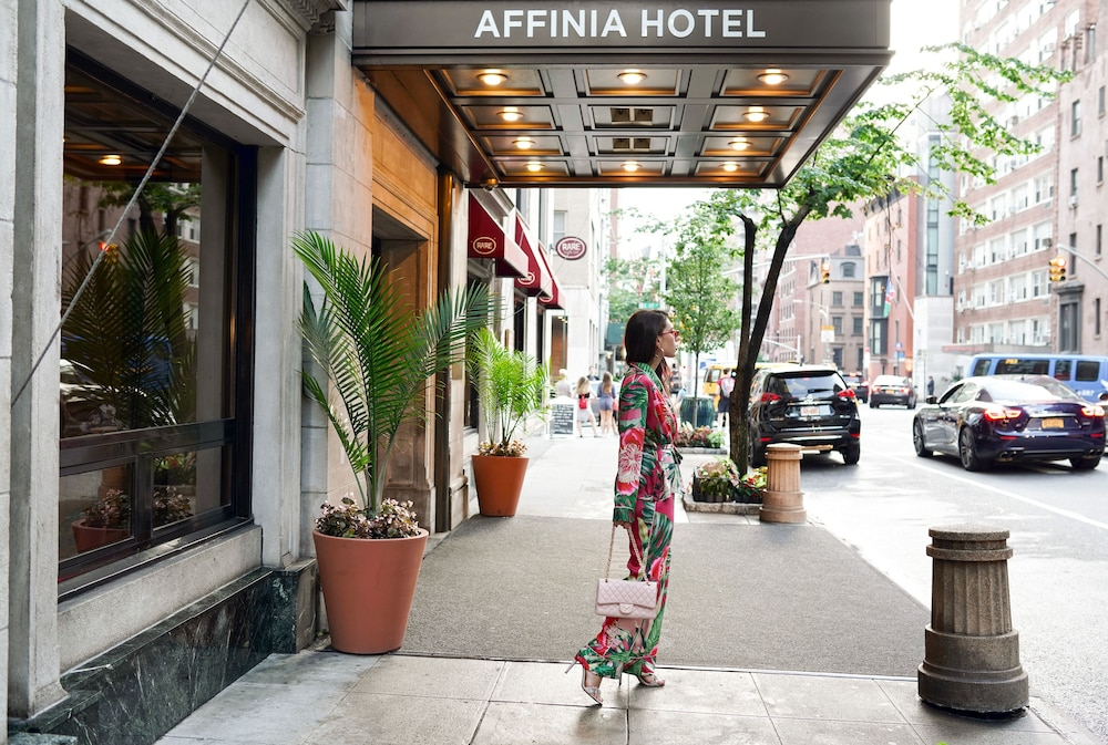 Property Entrance, Shelburne Hotel & Suites by Affinia