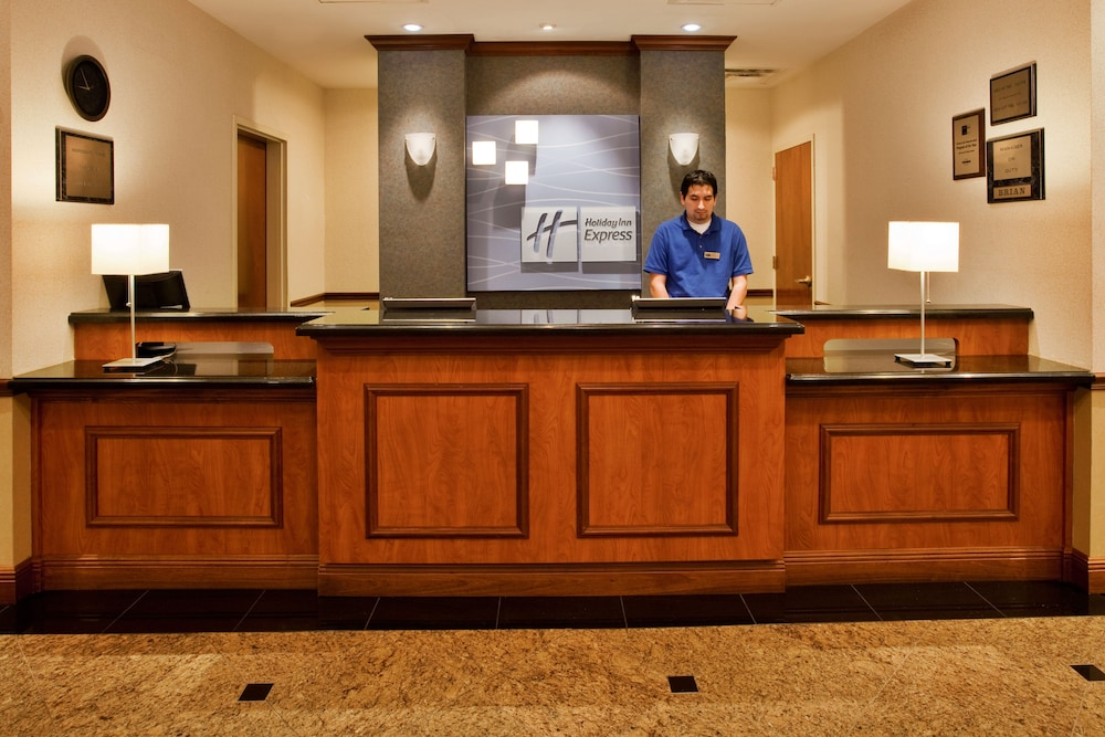 Reception, Holiday Inn Express Hotel & Suites Lake Okeechobee