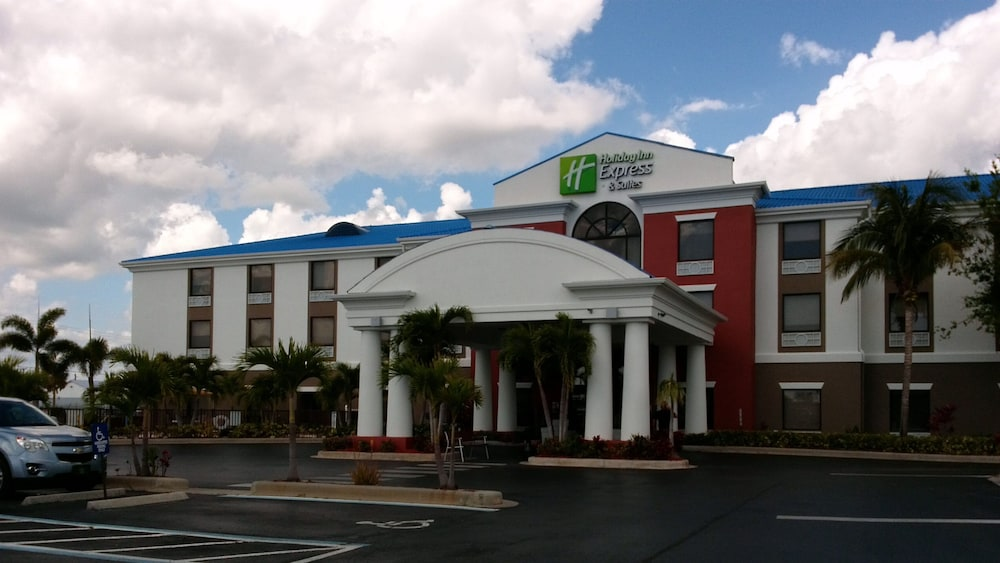 Featured Image, Holiday Inn Express Hotel & Suites Lake Okeechobee