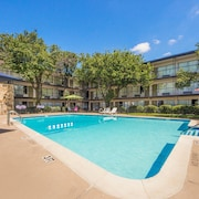 Econo Lodge Dallas Airport North