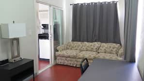 Down duvets, iron/ironing board, free WiFi, bed sheets