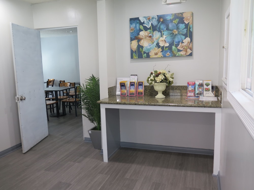 Reception, Americas Best Value Inn Los Angeles at W 7th St