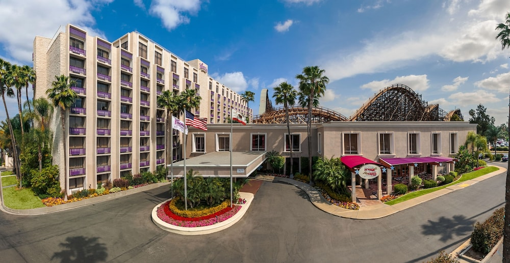 Aerial View, Knott's Berry Farm Hotel