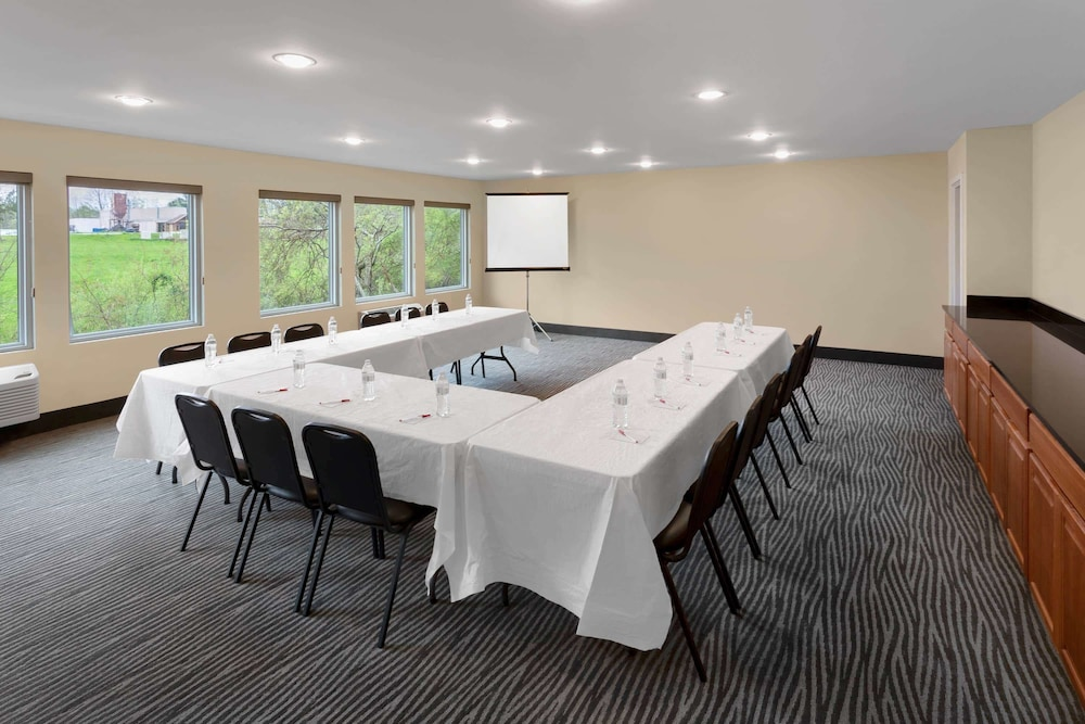Meeting Facility, Ramada by Wyndham Hendersonville