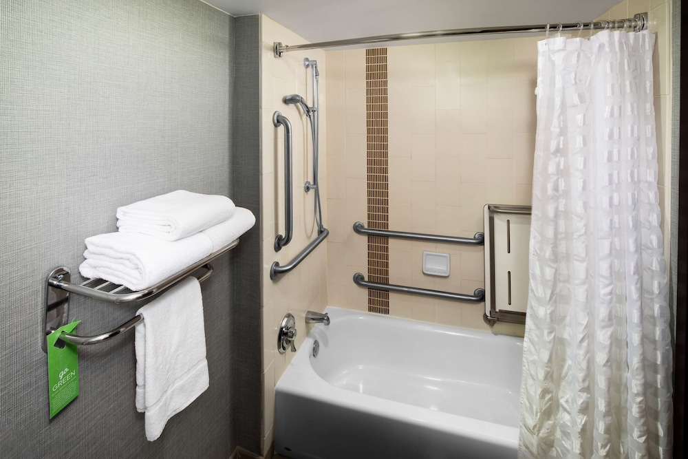 Bathroom, Hyatt Place Atlanta/Alpharetta/North Point Mall