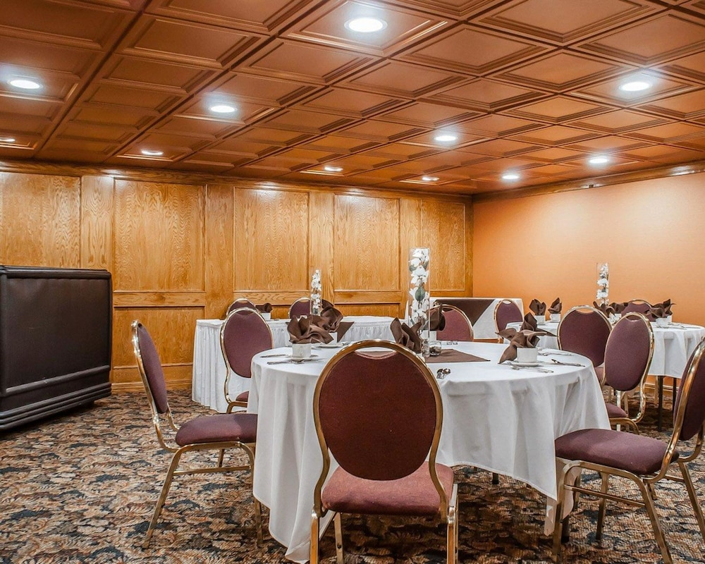 Meeting Facility, Quality Hotel & Suites At The Falls