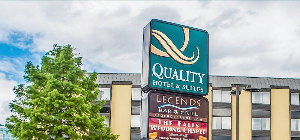 Front of Property, Quality Hotel & Suites At The Falls