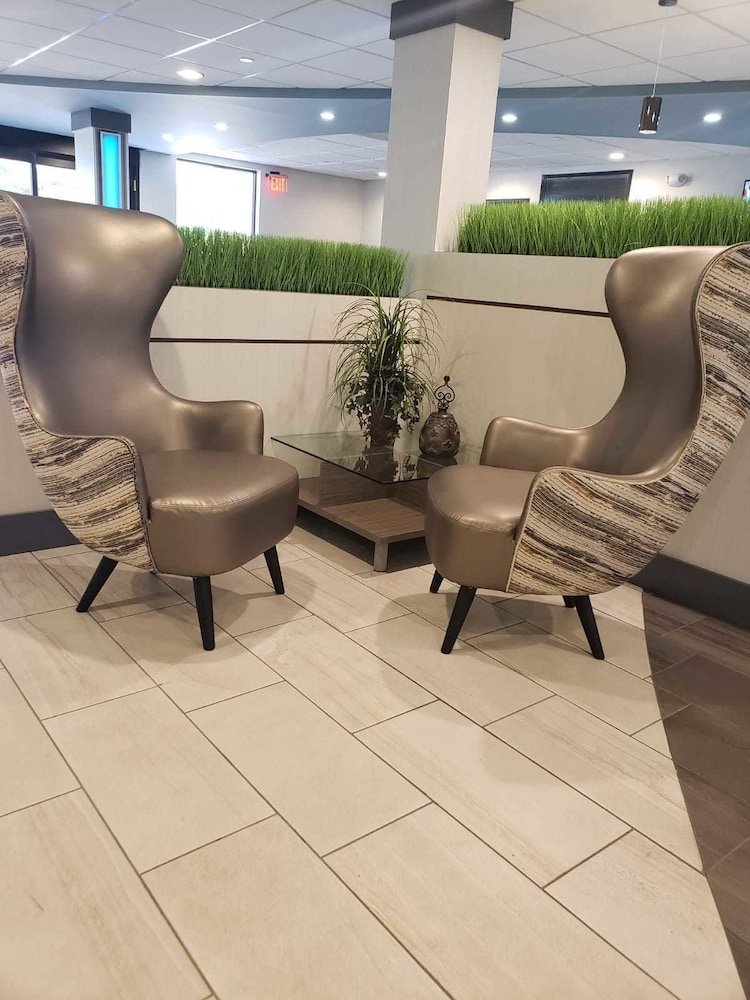Lobby Sitting Area, The Alexis Inn & Suites - Nashville Airport
