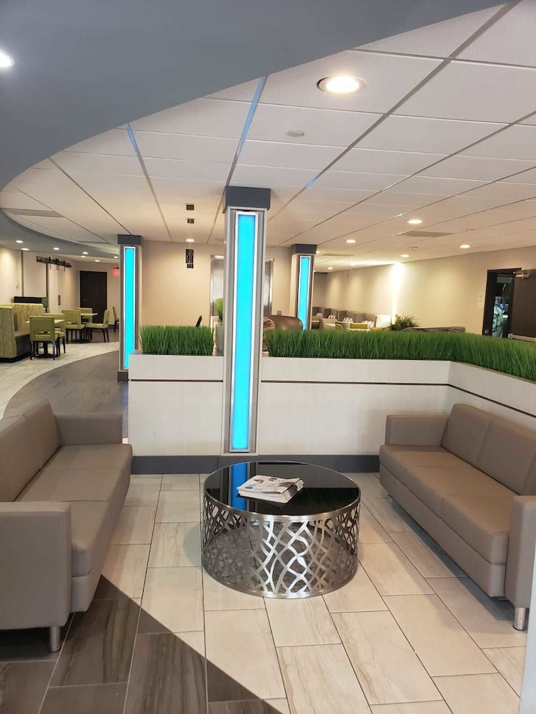 Lobby, The Alexis Inn & Suites - Nashville Airport