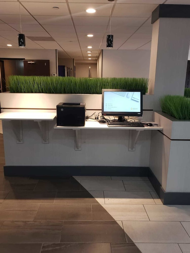 Business Center, The Alexis Inn & Suites - Nashville Airport