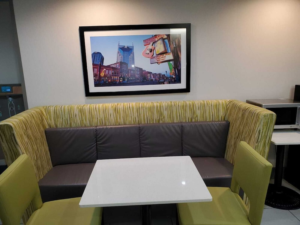 Reception, The Alexis Inn & Suites - Nashville Airport