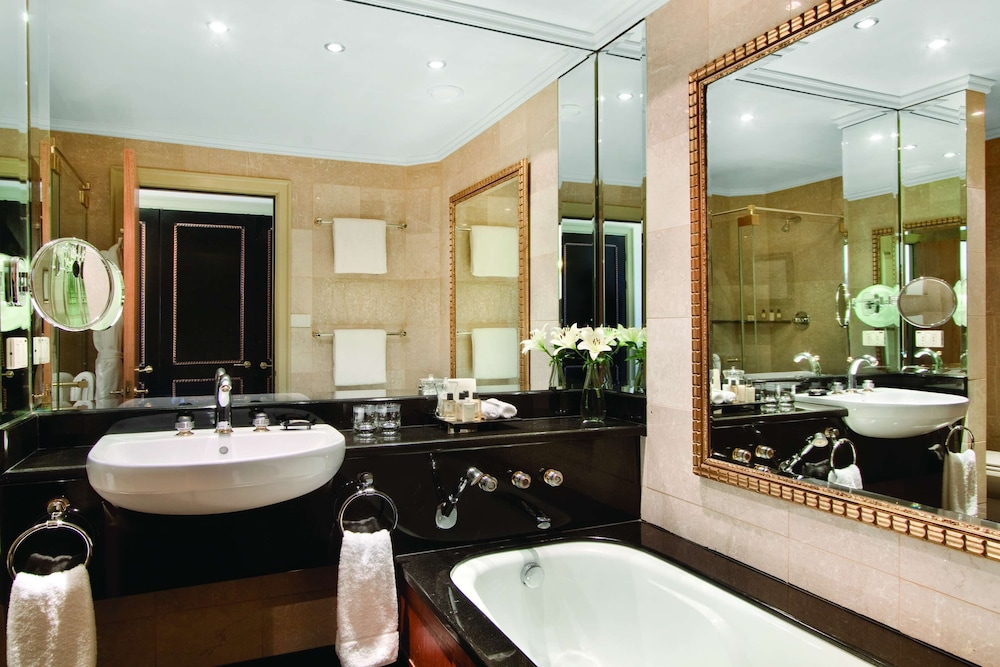 Bathroom, Hyatt Regency Johannesburg