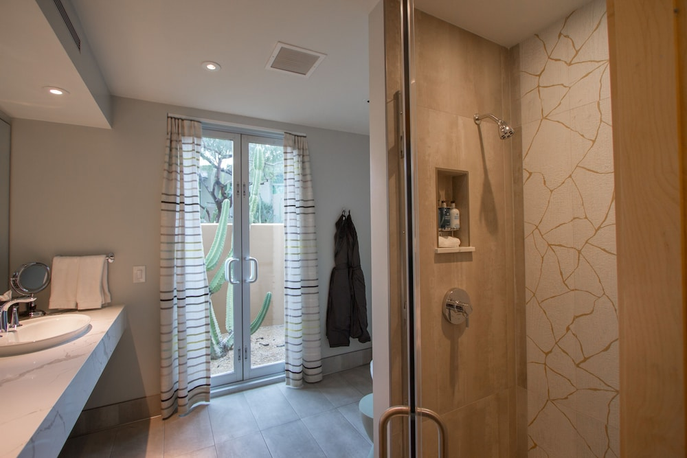 Bathroom, Sanctuary on Camelback Mountain Resort and Spa